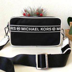 Michael Kors Kenly SM Camera Xbody